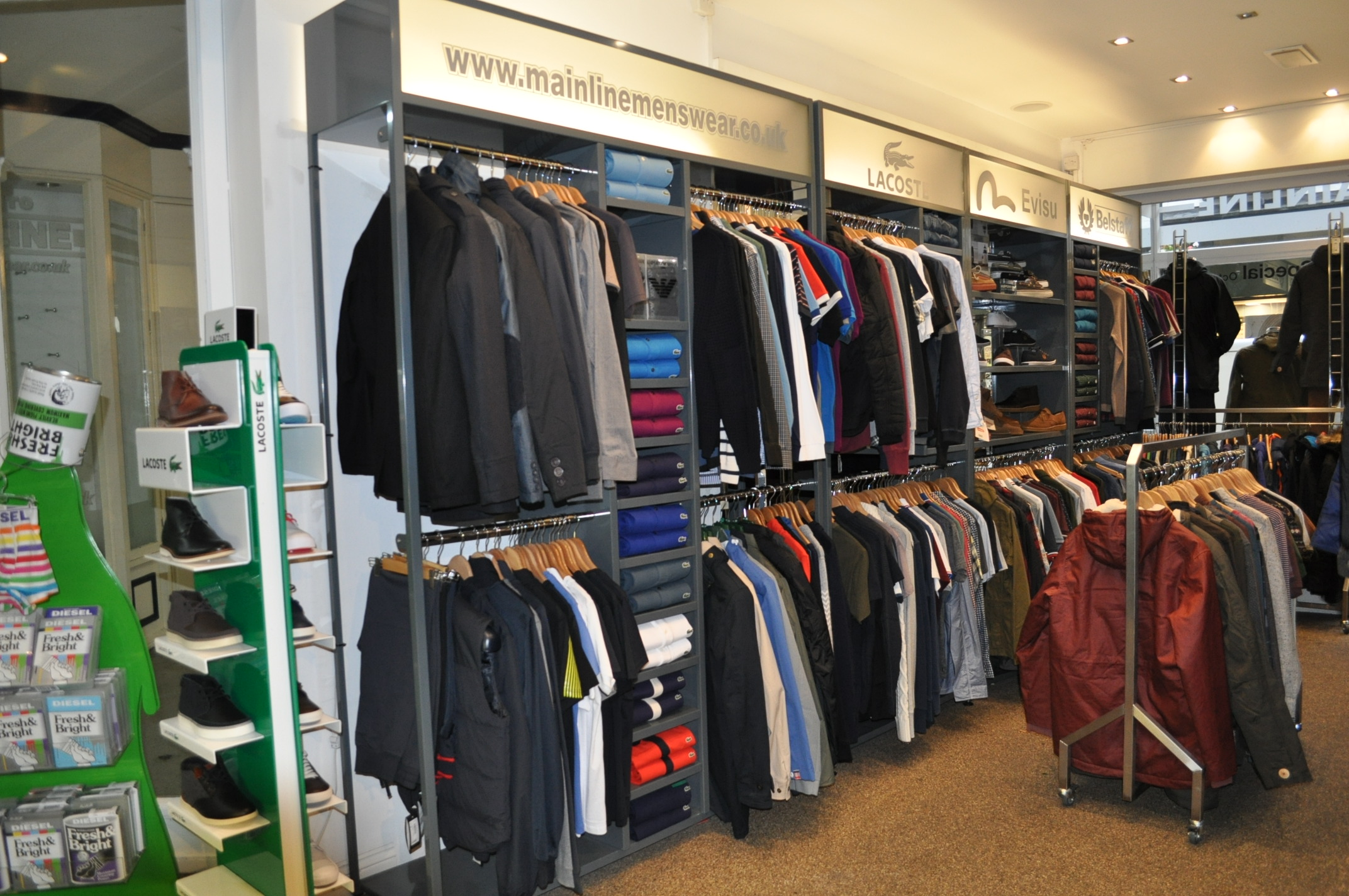 Barbour Mens Designer Jackets and Clothing. Shop Barbour designer clothing with Mainline Menswear. Here you can expect to find a great range of Barbour t-shirts, shirts, jackets and footwear for sale.
