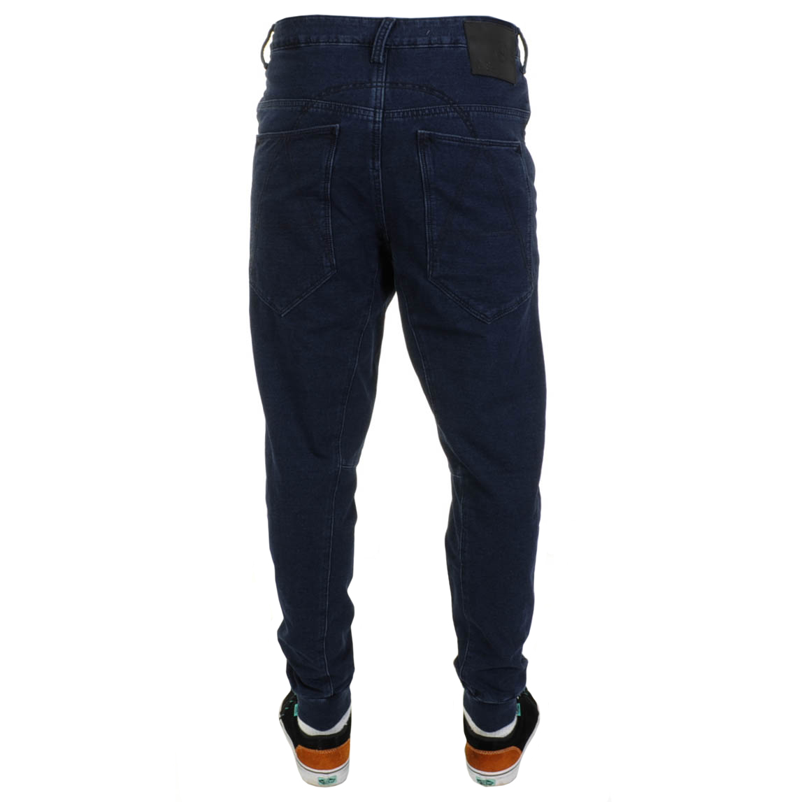 By nature these casual fitting jeans are made for everyday informal life,  their comfort might persuade you to wear them on occasions where skinny ...