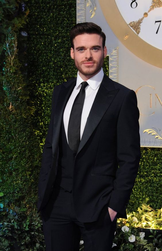 Richard Madden in suit