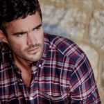 Men: How To Wear Checked Shirts