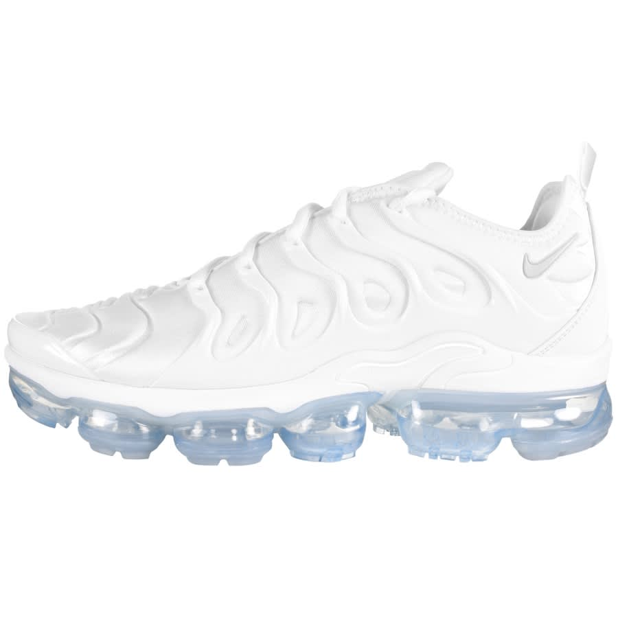 Nike Air VaporMax Plus trainers in white
